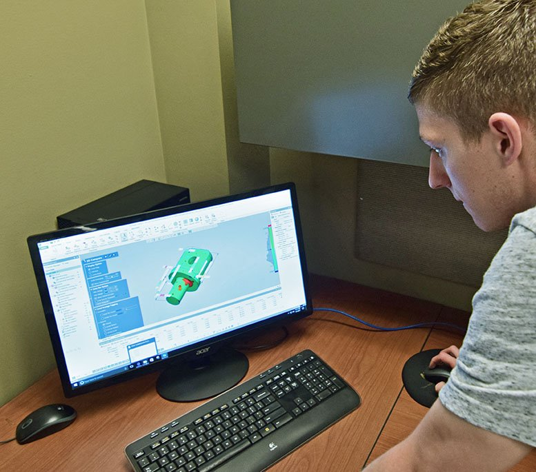 Eagle Alloy Engineer Ryan Horak operates Solid Edge 3D modeling software